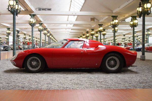 Ferrari 250 LM estimated price: $14,000,000 | Photo © User: ignis / Wikimedia Commons / GFDL,cc-by-sa-2.5,2.0,1.0